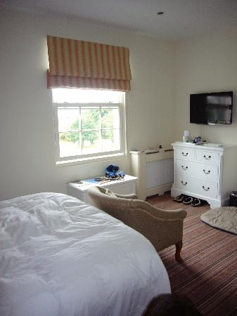 Syon House Hotel: A Bedroom