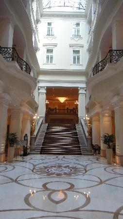 Corinthia Hotel Budapest: Foyer