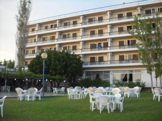 Club Ermioni : entertainment area