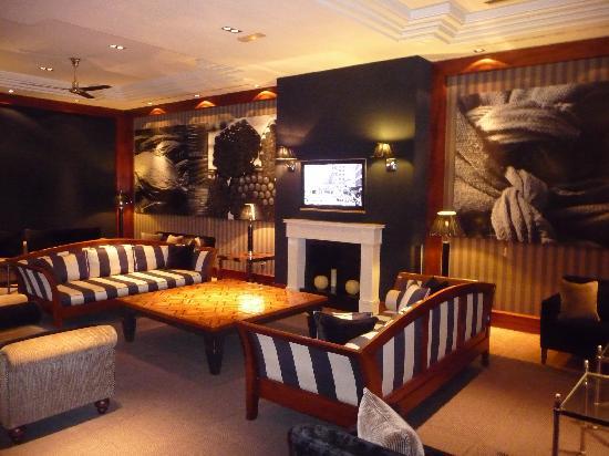 Hotel 1898: Hotel Lobby