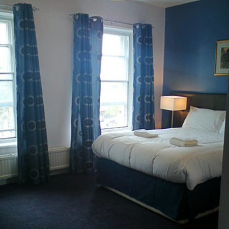County Hotel: Refurbished Double room