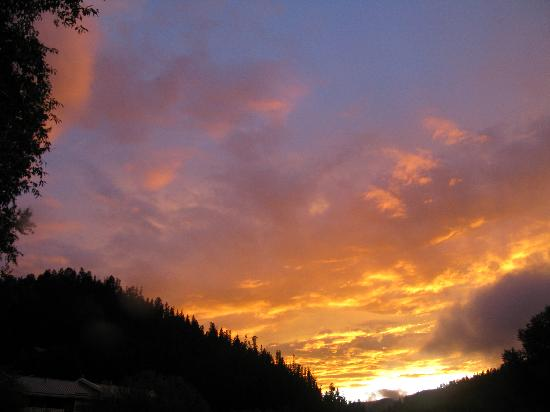 Alpine Lodge & Suites: Another sunset