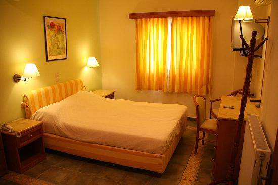 Andreolas Luxury Suites: Our Bedroom