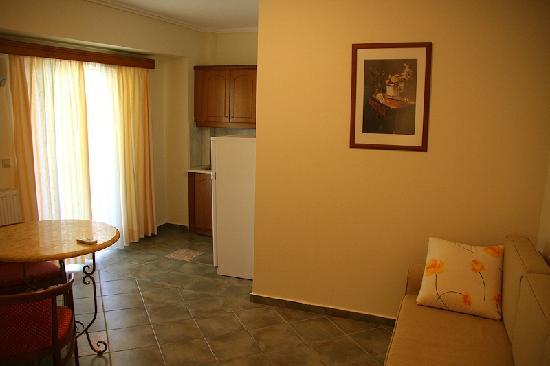 Andreolas Luxury Suites: Room