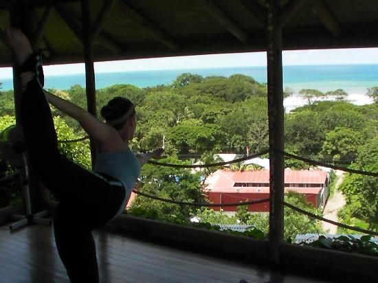Horizon Ocean View Hotel and Yoga Center: Jen practicing Yoga at Horizon