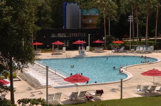 Disney's All-Star Music Resort: Piscine piano