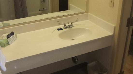 Extended Stay America - Houston - Med. Ctr. - Greenway Plaza: Rm 315, bathroom