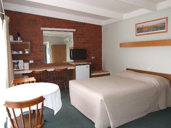 Abbotswood Motor Inn: Family Room