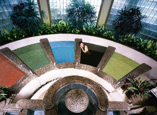 Spa Grande : Rejuvenate in our Hawaiian Healing baths