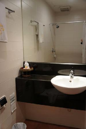 De Arni Bangkok: バスルーム