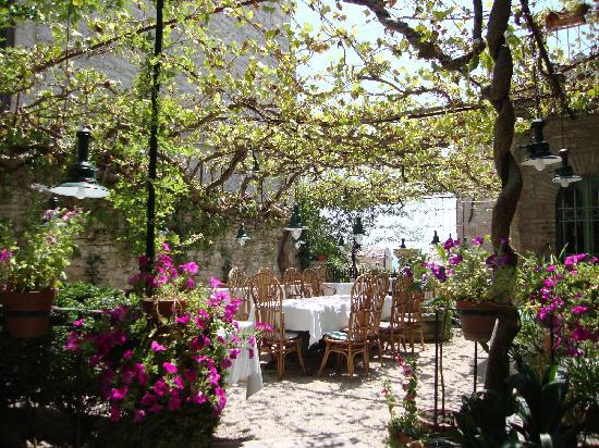 Hotel Umbra: Beautiful breakfast area
