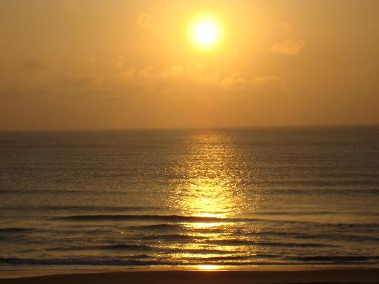 Wyndham Virginia Beach Oceanfront: Sunrise