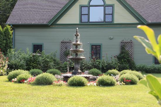 Habberstad House: Fountain by Coach House