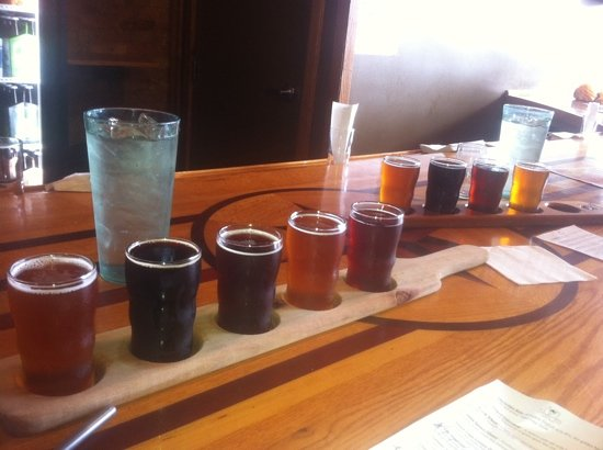 Short's Brewing Company : our beer flights