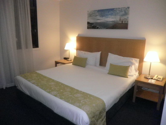 Ramada Resort Flynns Beach: The master bedroom