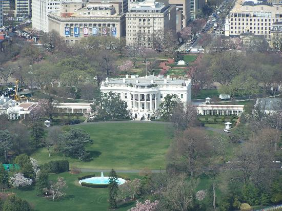 Washington DC, DC: The White House from the Washinton Monument