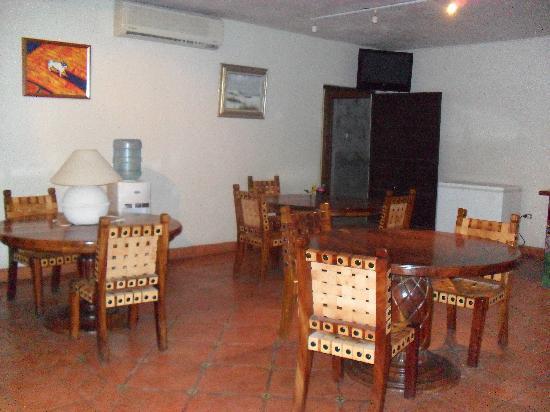 Cabo Cush Hotel : lounging area