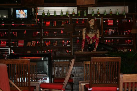 Hotel Reina Roja: Restaurant Lobby