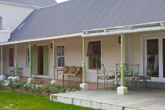 Gooding's Groves Olive Farm & Guest House: Afternoon space
