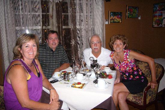 Maison Vinot: Nos amis et nous le 10 août dernier