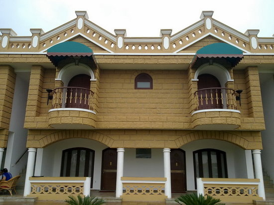 Heritage Khirasara Palace : rooms, and balcony view from campus