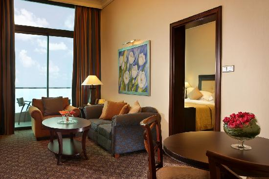 Raouché Arjaan by Rotana: Classic Suite