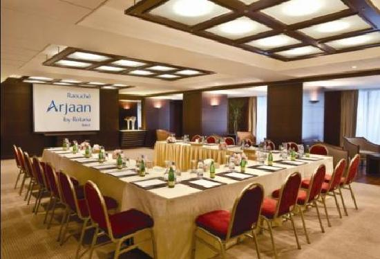 Raouché Arjaan by Rotana: Meeting Room Plus Two