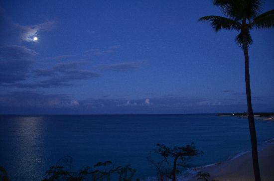 Terres Basses, St-Martin / St Maarten : night view from balcony and our bedroom