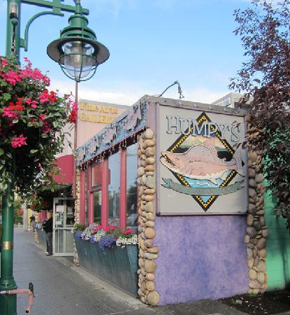 Copper Whale Inn: Humpy's for dinner