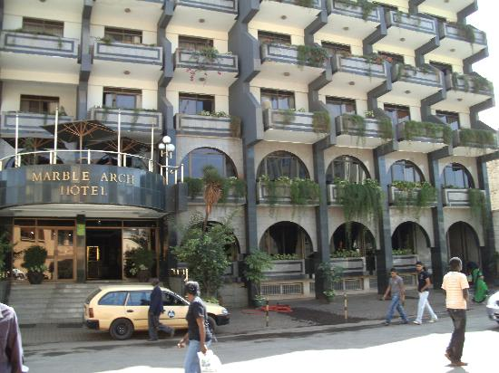 Marble Arch Hotel: FRONT VIEW