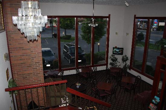رمادا سبوكان فالي: eating area in lobby