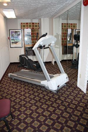 Ramada Spokane Valley: fitness room