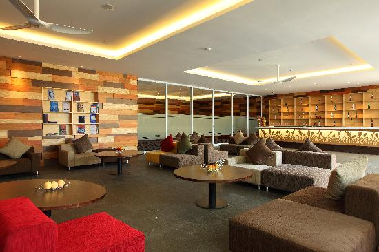เมอร์เคียว บาหลี ฮาเวสท์แลนด์ คูตา: Harvest Lounge Bar