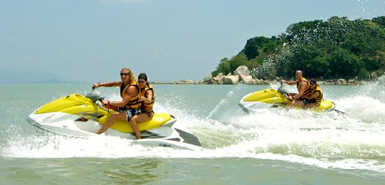 East Wind Watersports : guided jetski tours