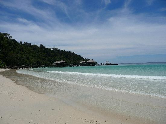 Bunga Raya Island Resort & Spa: Beautiful beach
