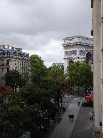 Hotel Cecilia Arc De Triomphe: terraza