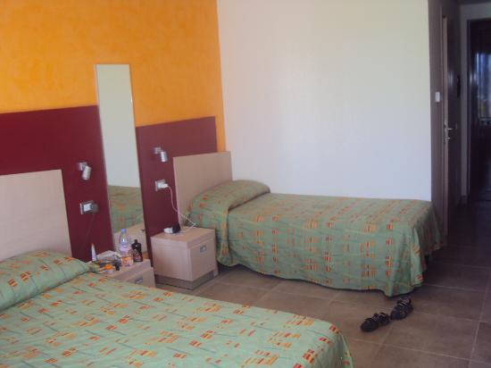 Sibari Green Village: chambre