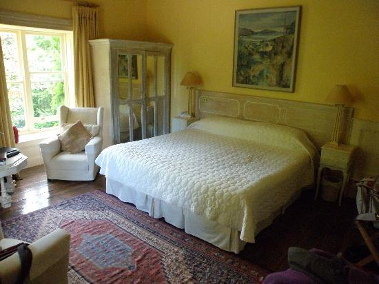 Shelburne Lodge: Corner bedroom