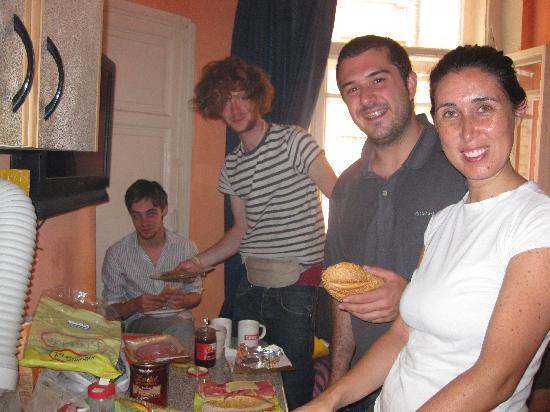 TNT Hostel Moscow: Sunday Morning Pancake Party