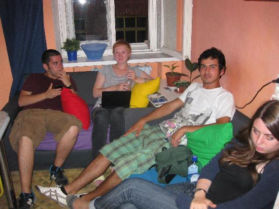 TNT Hostel Moscow: Relaxong in the evening