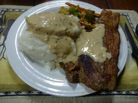 Pamusha Lodge: ♥夕食〝サザ&牛肉ステーキ〟