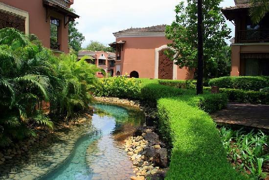 Park Hyatt Goa Resort and Spa: на территории отеля