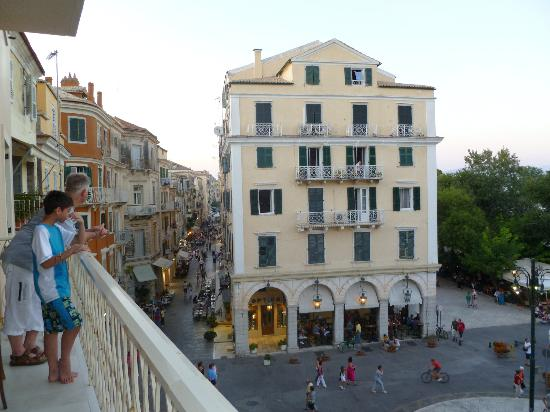 Arcadion Hotel : Balcony view of the shops and restaurants