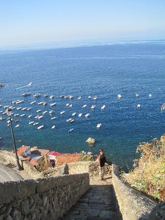 barche a Chianalea di Scilla in mare