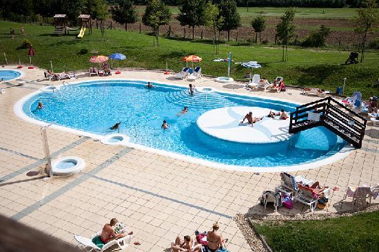 4 Person Cottage Picture Of Petnehazy Club Hotel Budapest Tripadvisor