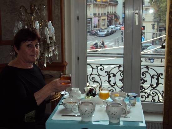 Hotel Plaza Elysées : Breakfast room