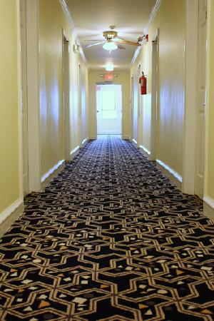 كي ويست موتل: Hallway