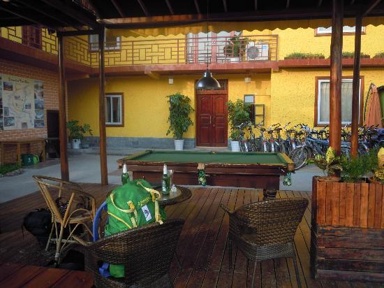 Trippers Carpe Diem Hostel Yangshuo : la vista dal ristorante