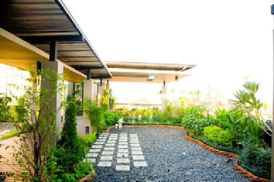 Khaosan Park Resort: Roof Garden