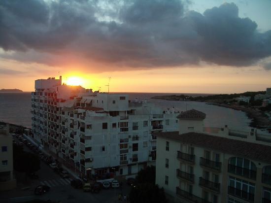 Hotel Gran Sol: Puesta de sol desde habitación